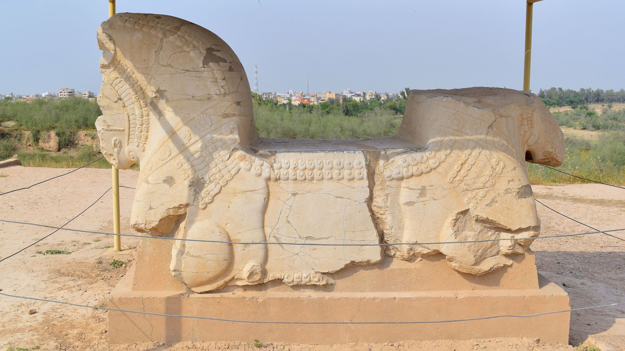 Iran-Susa-bull-ruin.jpg
