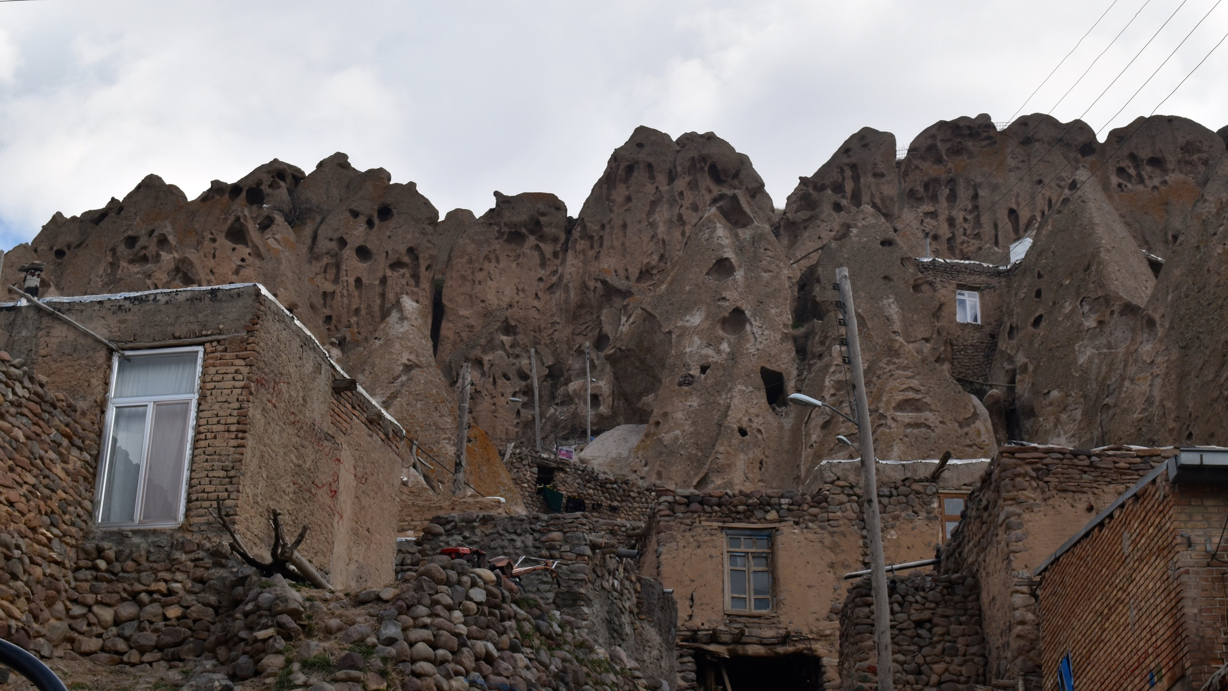 Iran-NW-Kandovan-homes.jpg
