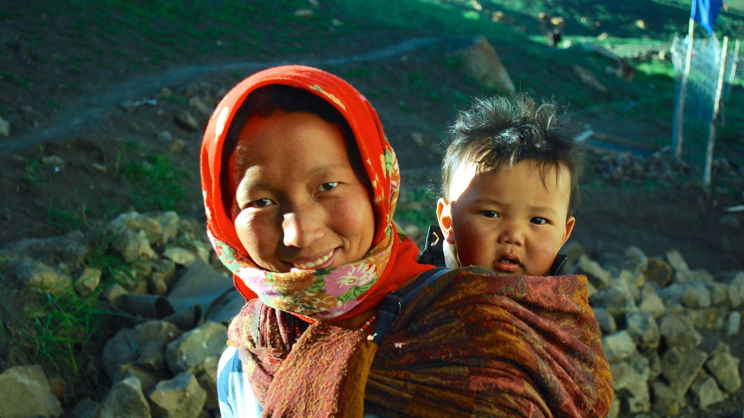 India-Spiti-Demul-woman-baby.jpg