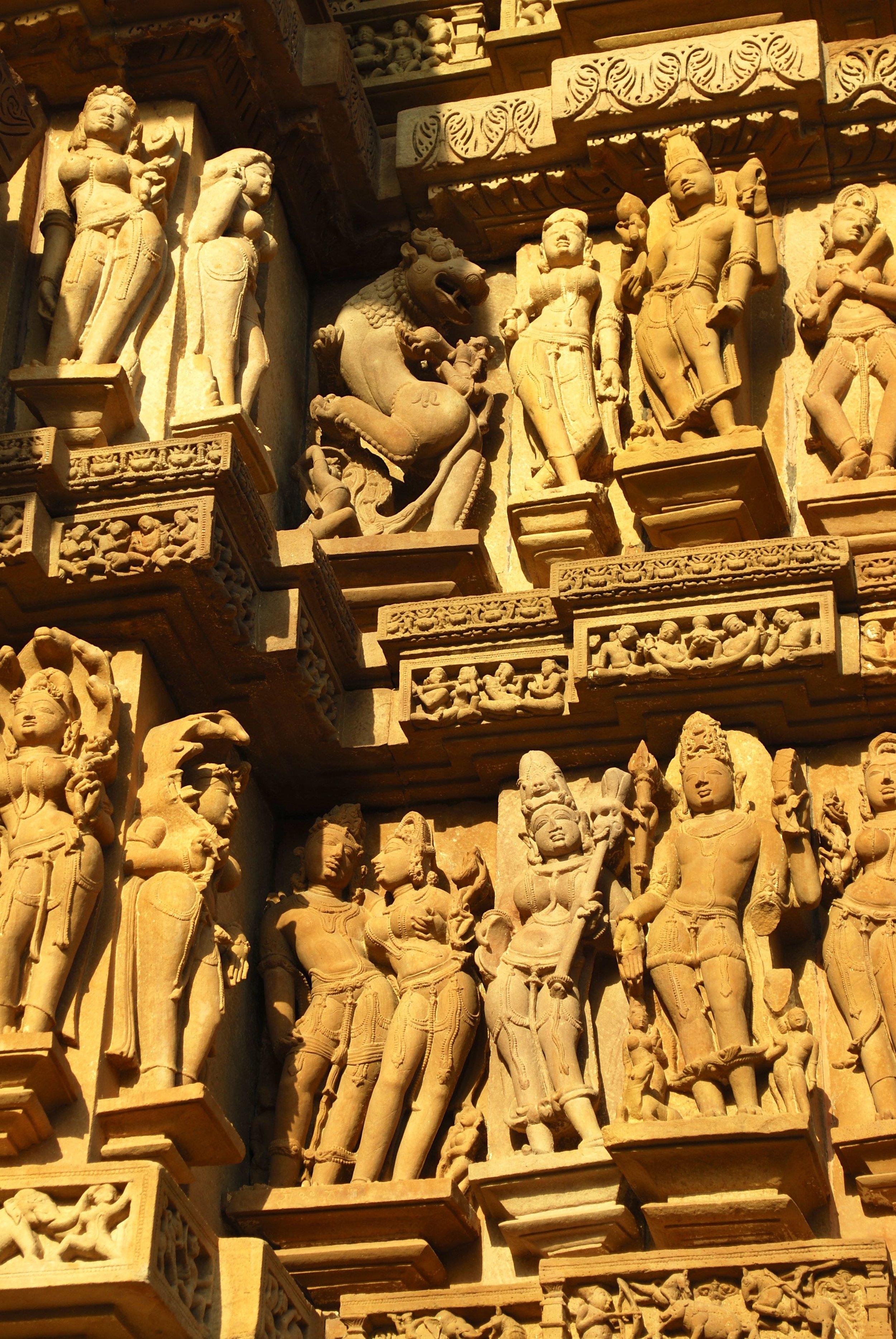 India-Madhya-Pradesh-Khajuraho-figures.jpg