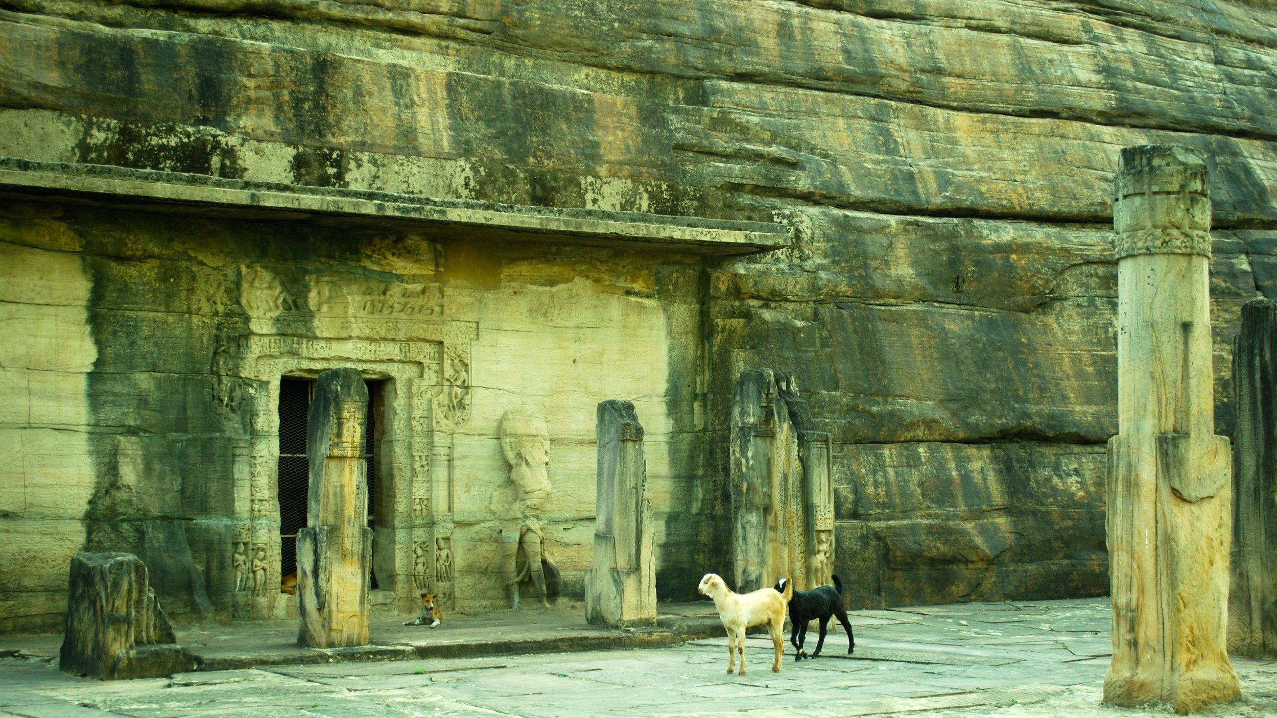 India-Madhya-Pradesh-Udayagiri-caves.jpg