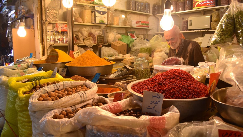 Iran-Esfahan-Bazaar-spice-stall