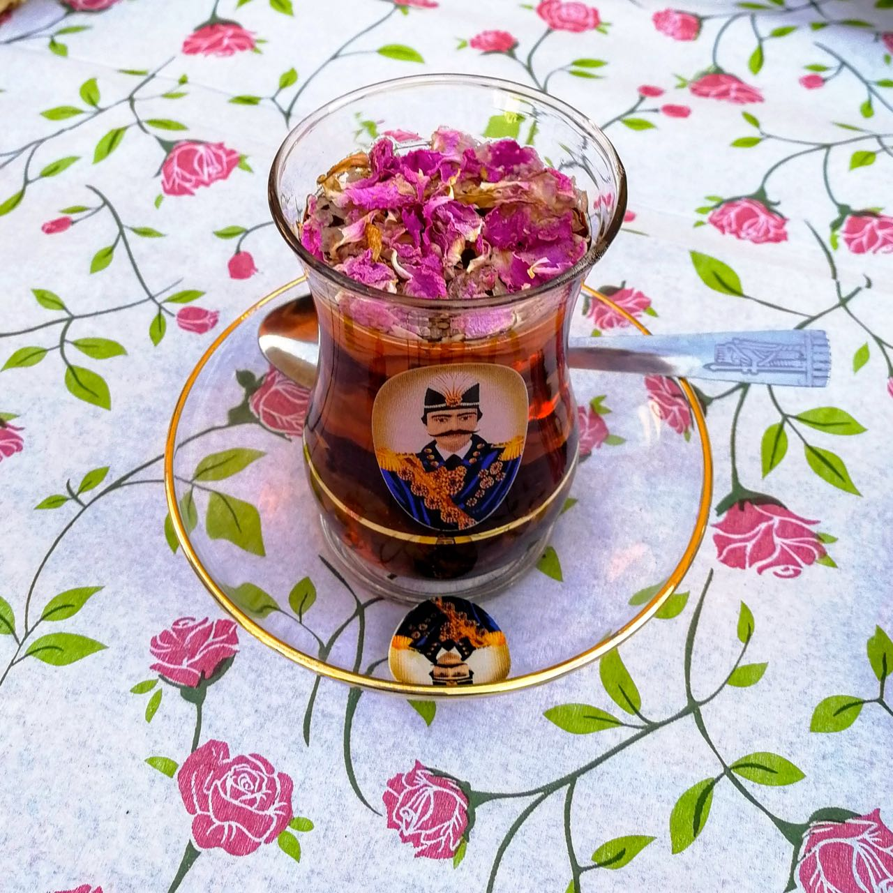 Iran-Abarkooh-tea.jpg