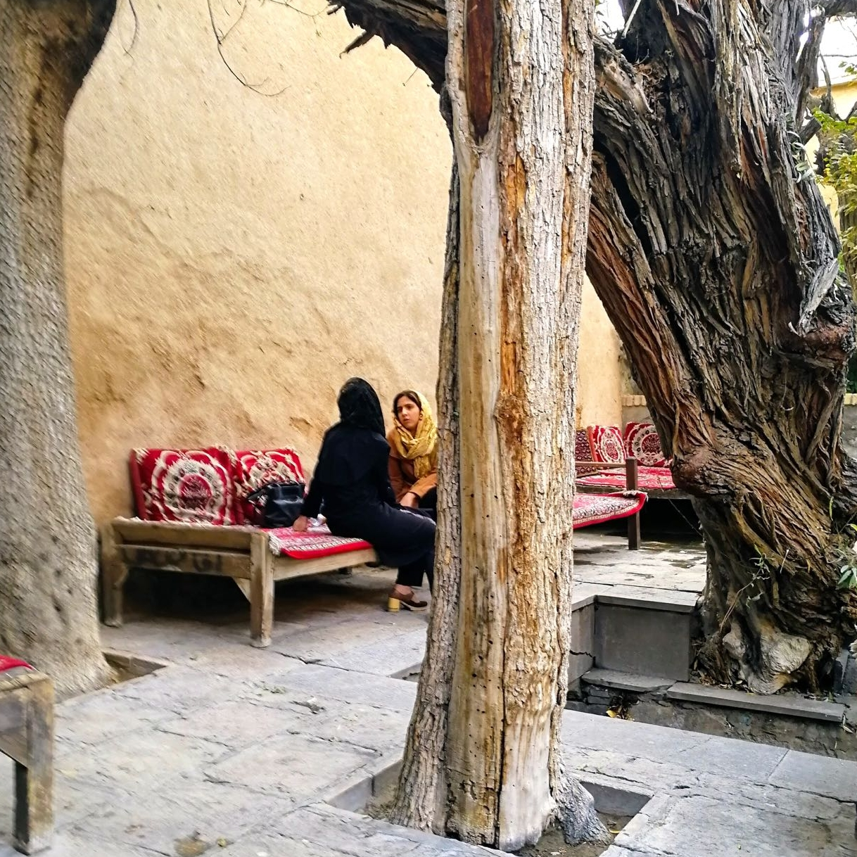 Iran-Kashan-Fin-garden-tea-house.jpg