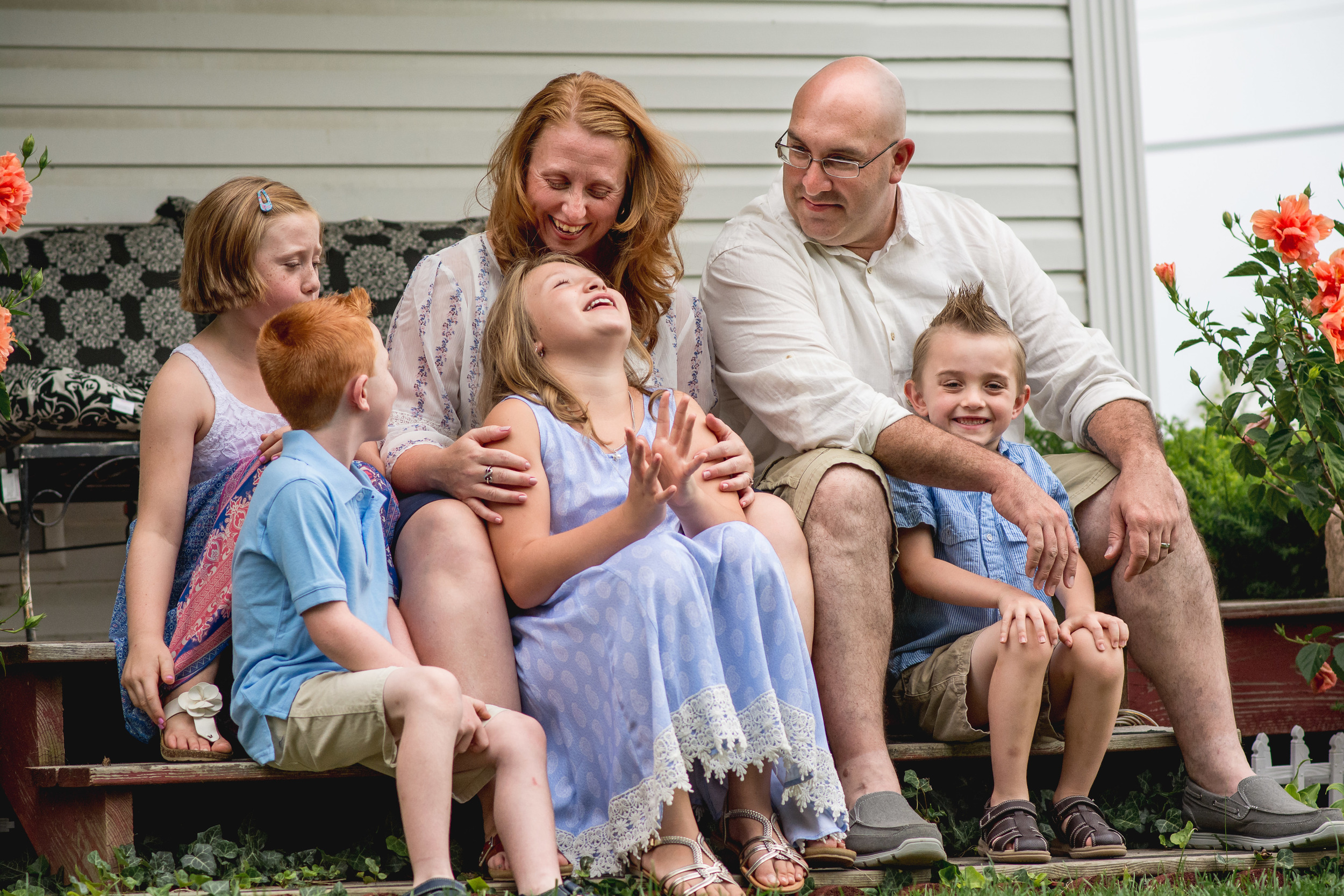 redhead-family-of-6-porch-Springfield-2016