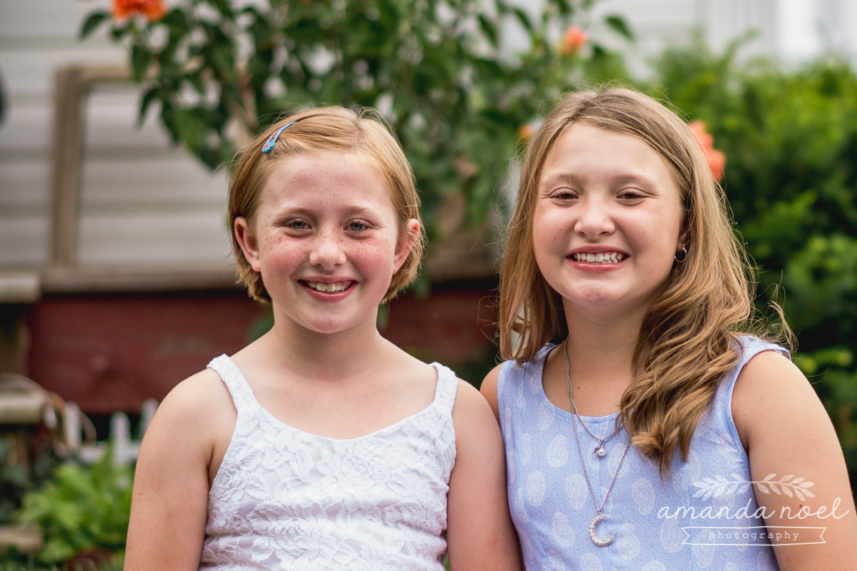 redhead-sisters-in-blue-Springfield-Ohio-porch
