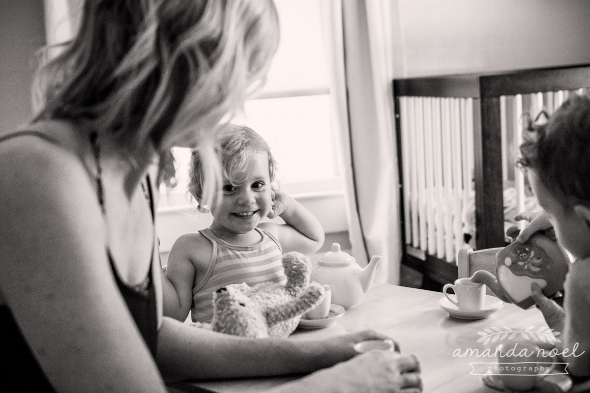 Ohio Documentary Family Photographer   Amanda Noel Photography   day in the life   in home session with toddler brother and sister