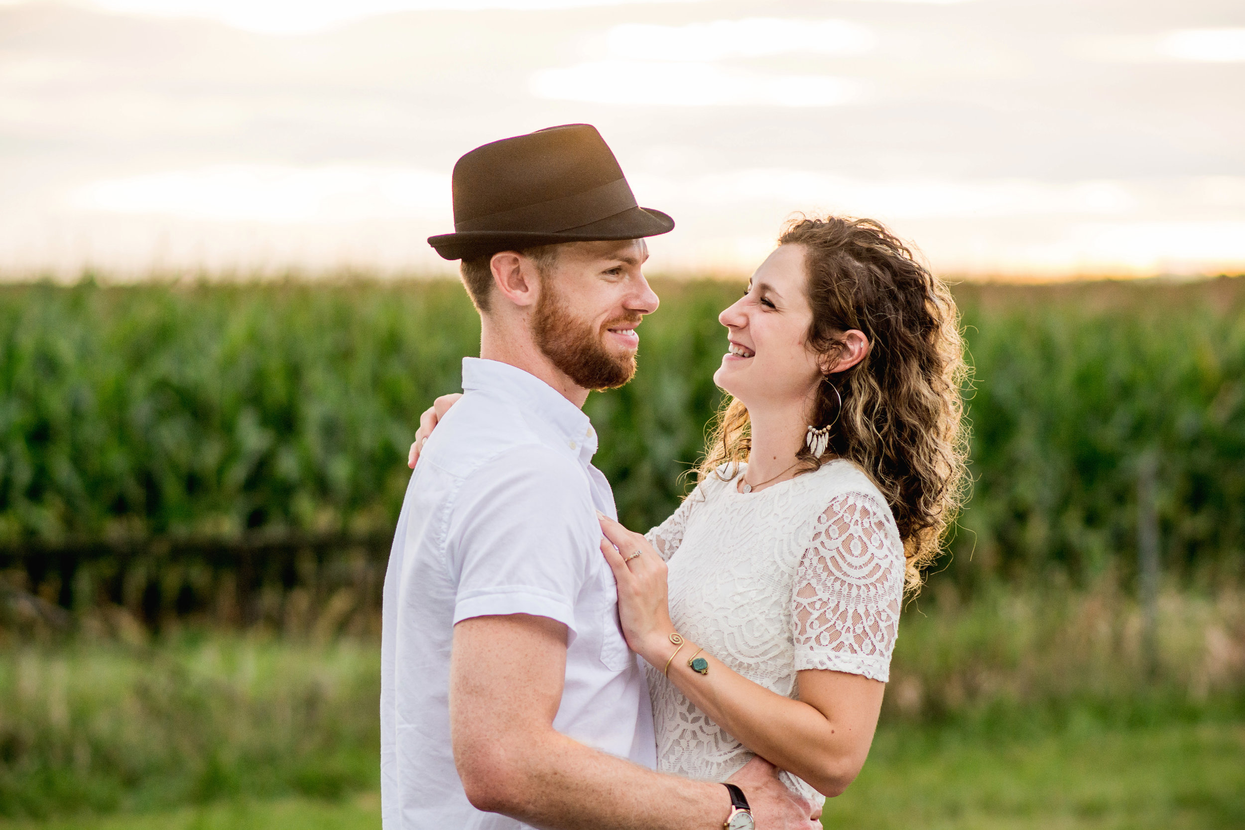 Amanda Noel Photography-lifestyle-engagement-sunset-springfield-ohio-stylish-intimate-couple-field