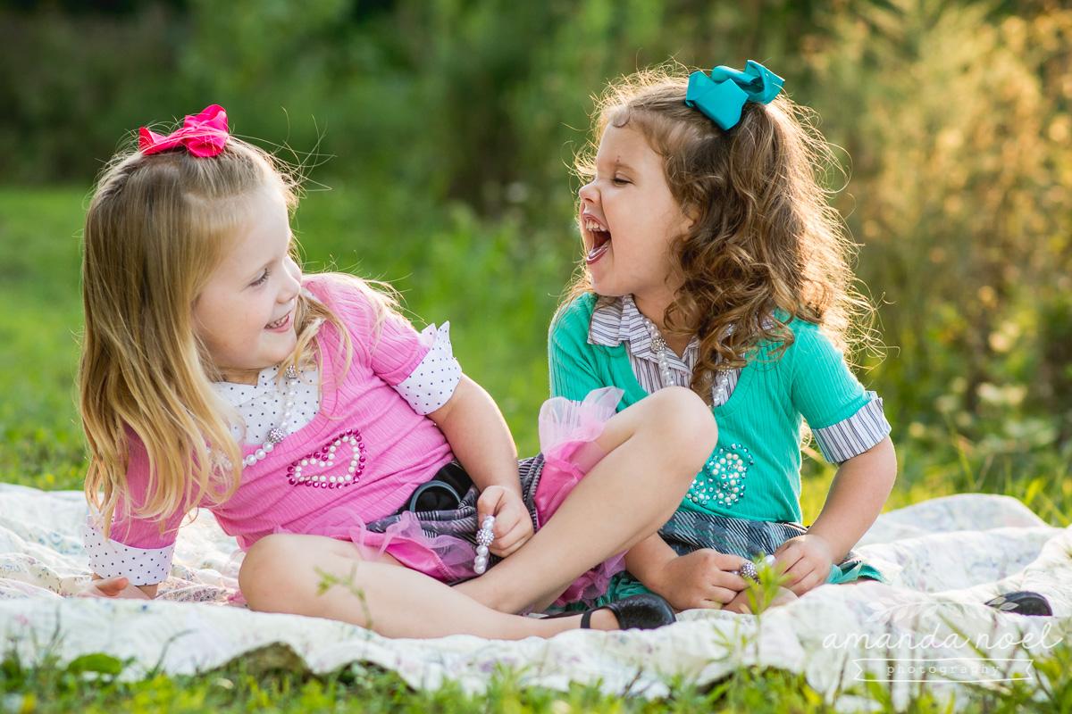 springfield ohio lifestyle family photographer | Amanda Noel Photography | twin girls 4th birthday | laugh