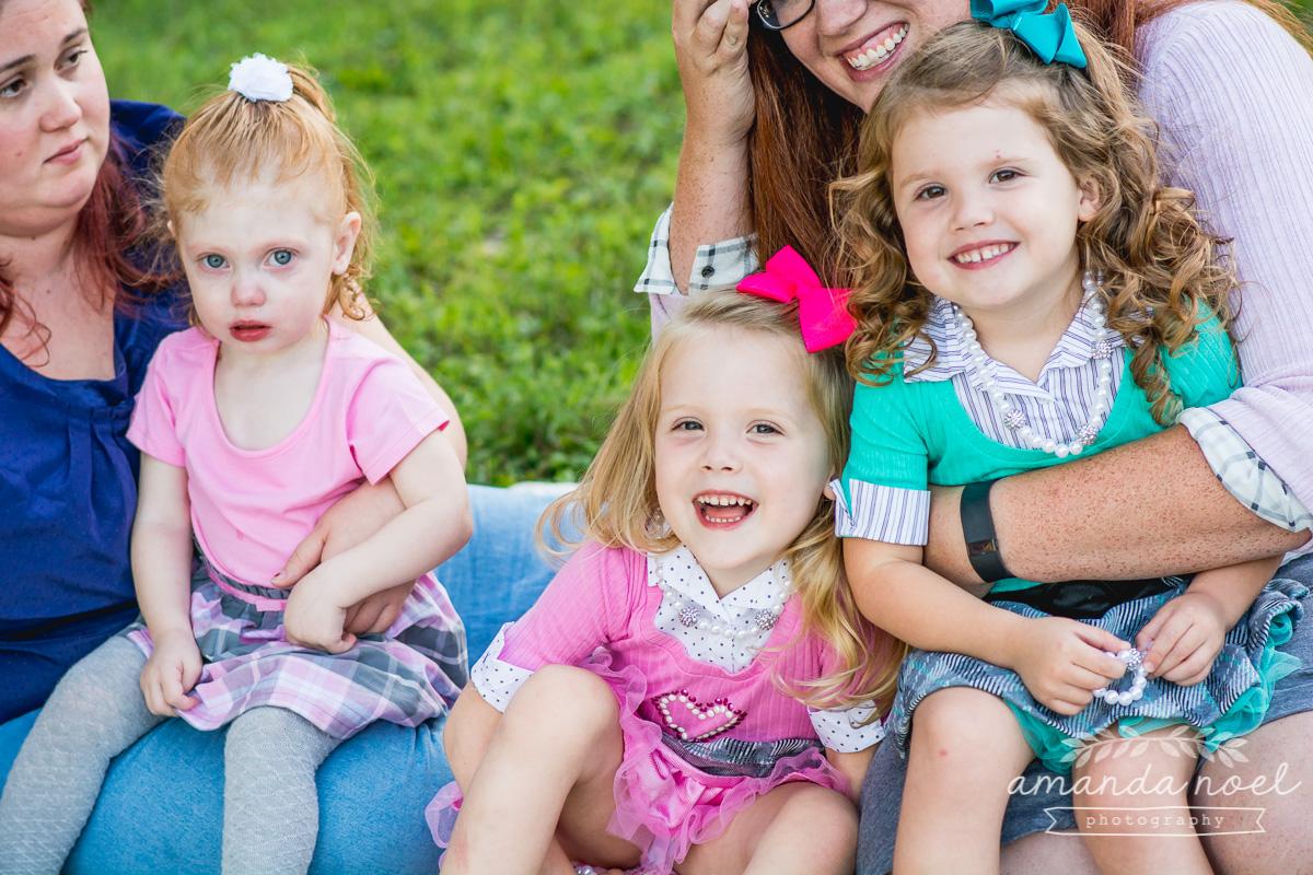 springfield ohio lifestyle family photographer | Amanda Noel Photography | twin girls 4th birthday | mom's lap