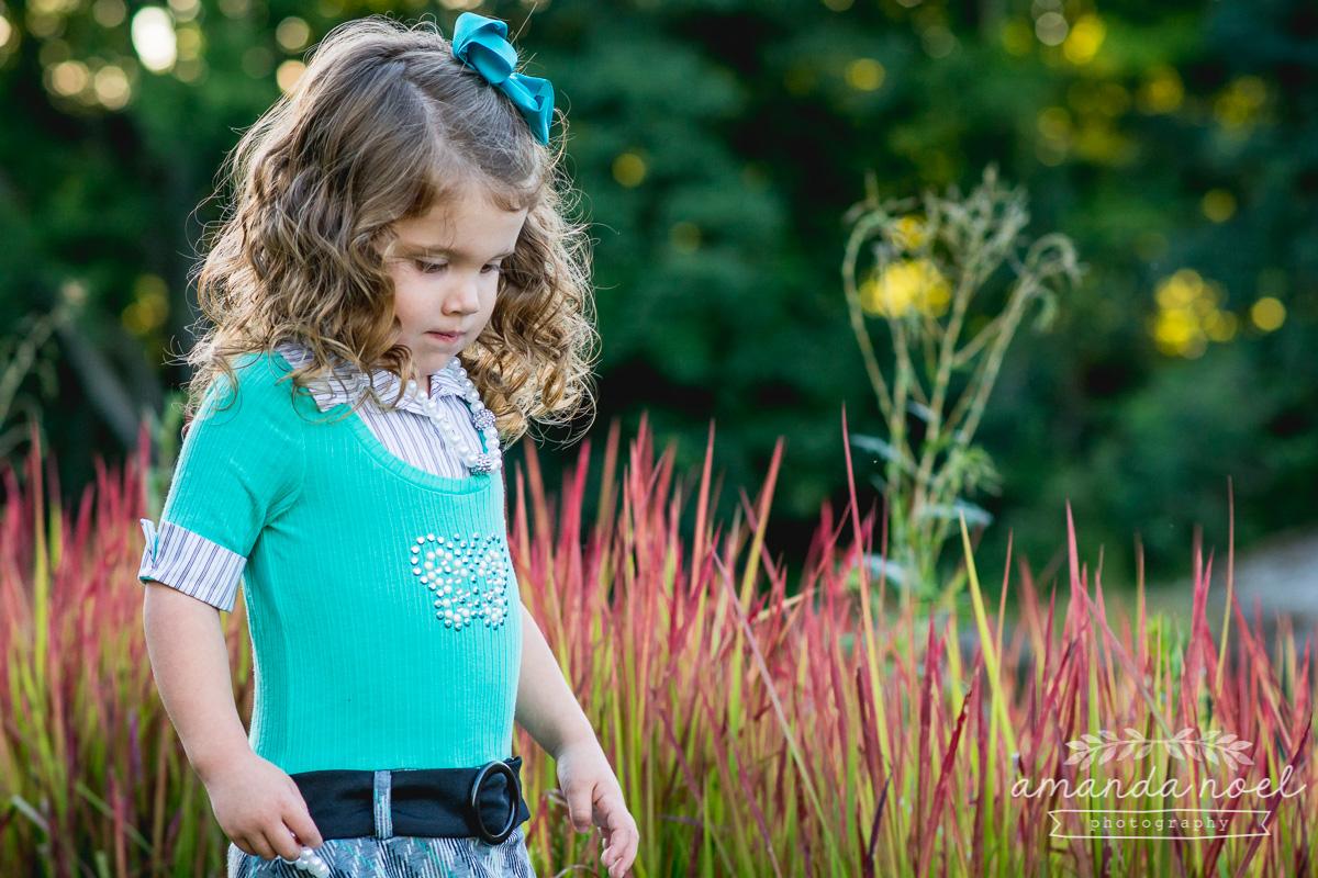 springfield ohio lifestyle family photographer | Amanda Noel Photography | twin girls 4th birthday | girl in reeds