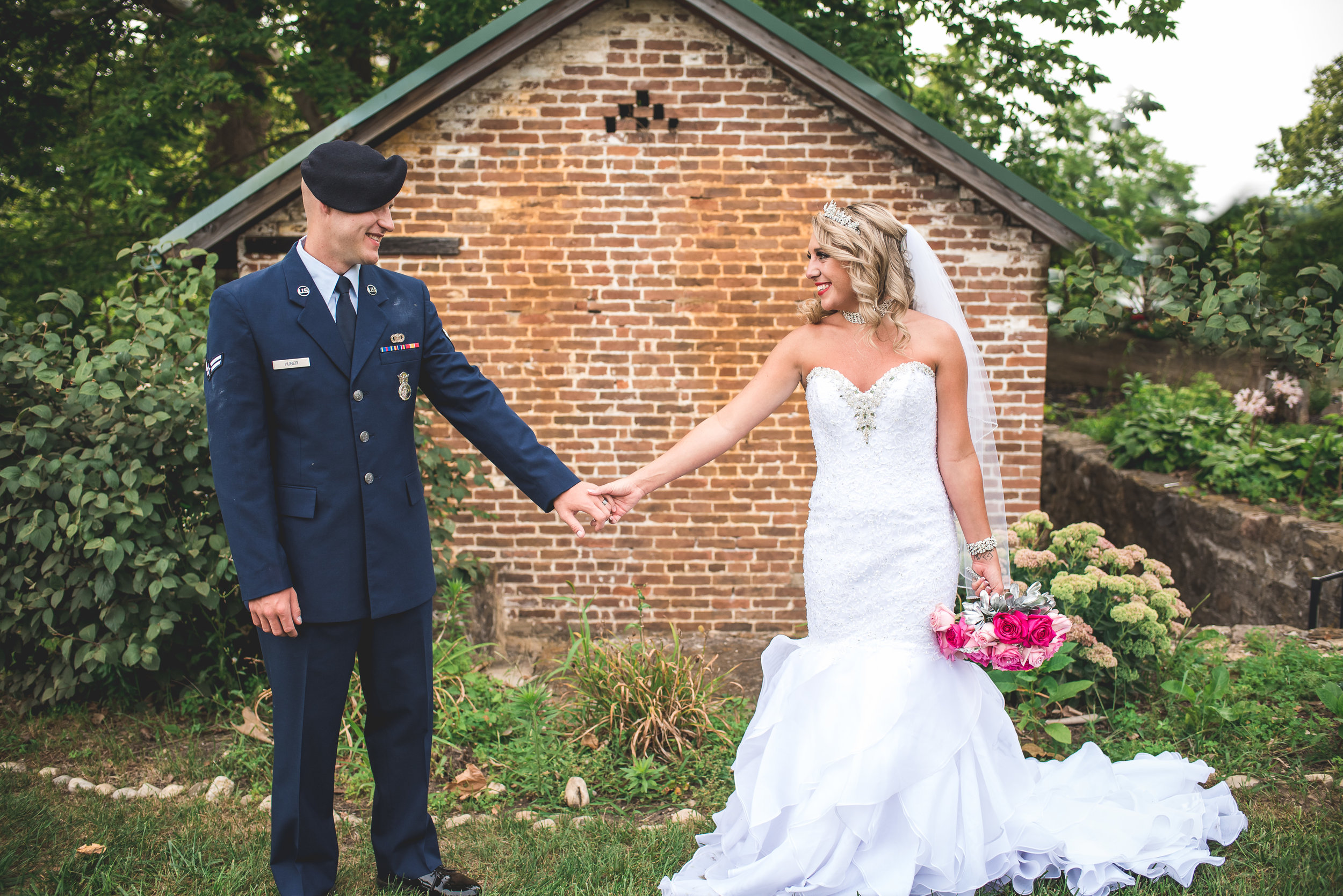Springfield-Ohio-Summer-Military-Wedding-Simon-Kenton-Inn