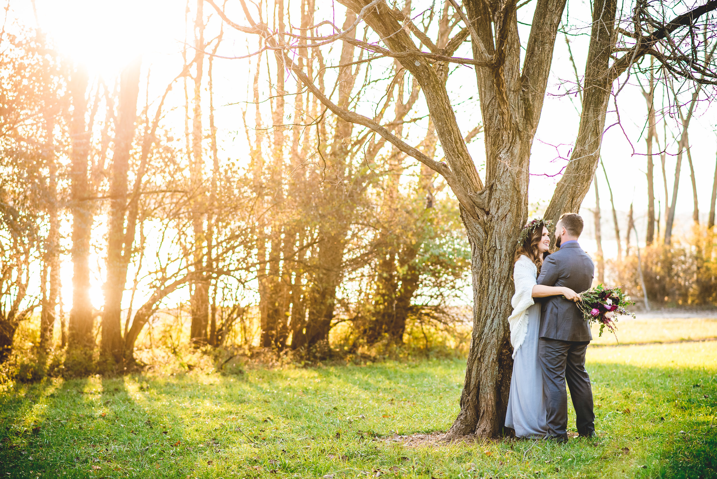 Columbus Ohio Wedding Photograher | Sunset elopement in the woods