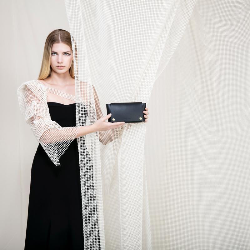 sq-wallet-black-model.jpg
