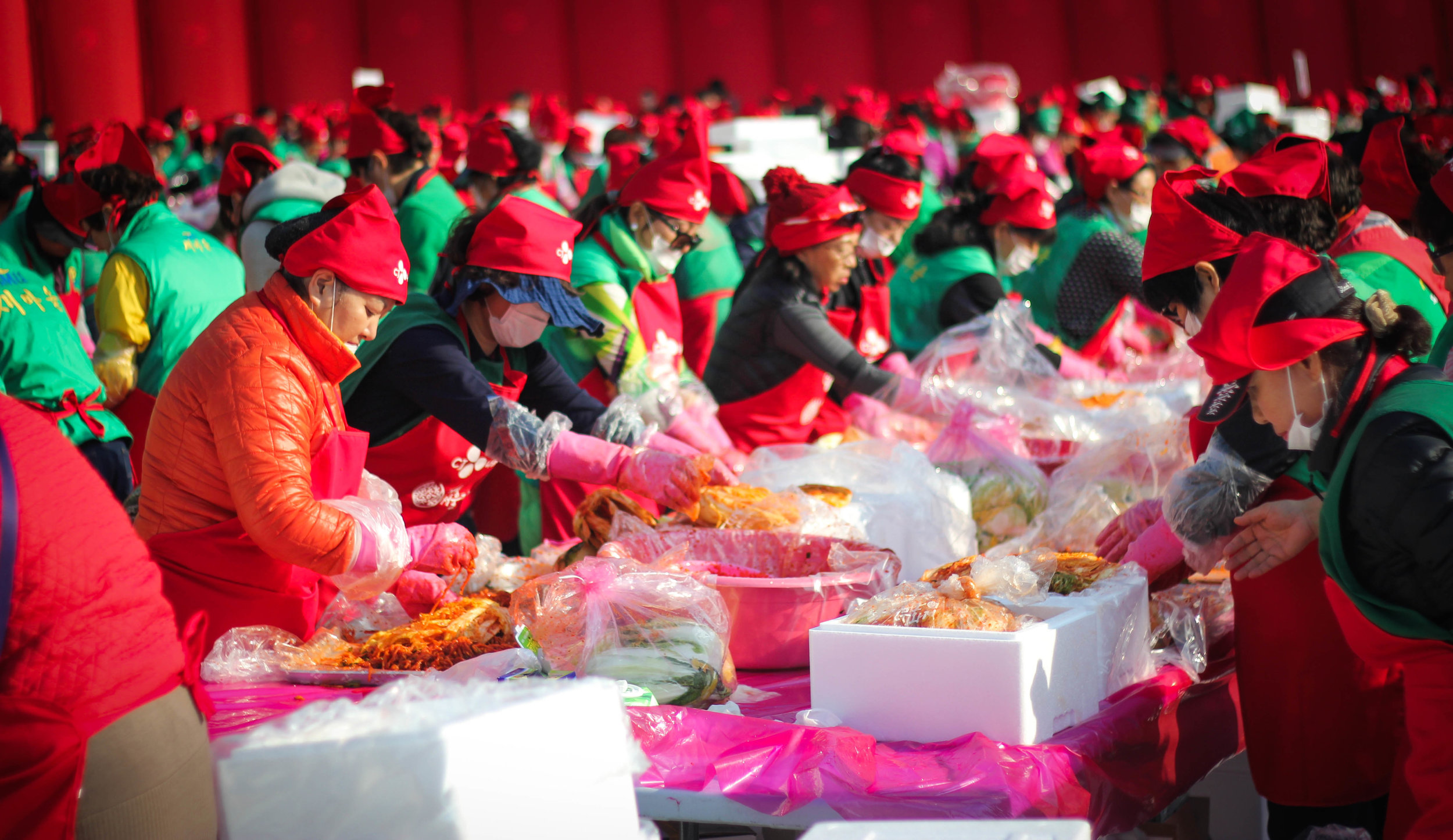 Kimchi as far as the eye can see. I unintentionally visited the Seoul Kimchi festival outside city hall while walking to a palace. I <3 kimchi.