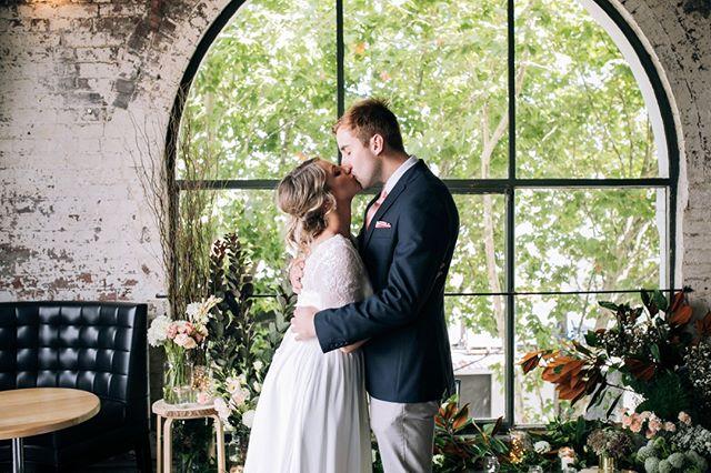 These love birds @thepanamadiningroom ⠀⠀⠀⠀⠀⠀⠀⠀⠀ .⠀⠀⠀⠀⠀⠀⠀⠀⠀ .⠀⠀⠀⠀⠀⠀⠀⠀⠀ .⠀⠀⠀⠀⠀⠀⠀⠀⠀ .⠀⠀⠀⠀⠀⠀⠀⠀⠀ Photo by Vicky Palmieri Photography @vppics #panamadiningroom #thepanamadiningroom #thatwindow #romantic #dustypink #wedding #fitzroywedding #weddingflowers #bridalflowers #bride #brideandgroom #melbourneflorist #melbourneweddingflowers #smokebush #twistedwillow #queenanneslace #magnolia #roses #weddingdress #bridalbouquet #studiogreen #studiogreenmelbourne