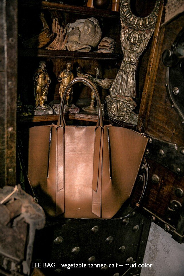 08 LEE BAG - vegetable tanned calf – mud color.jpg