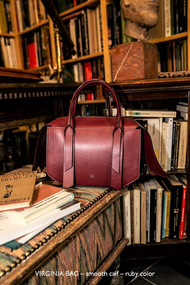 26 VIRGINIA BAG – smooth calf – ruby color.jpg