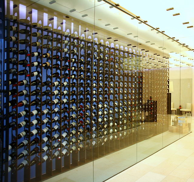 Wine_Racks_at_Sixteen.jpg