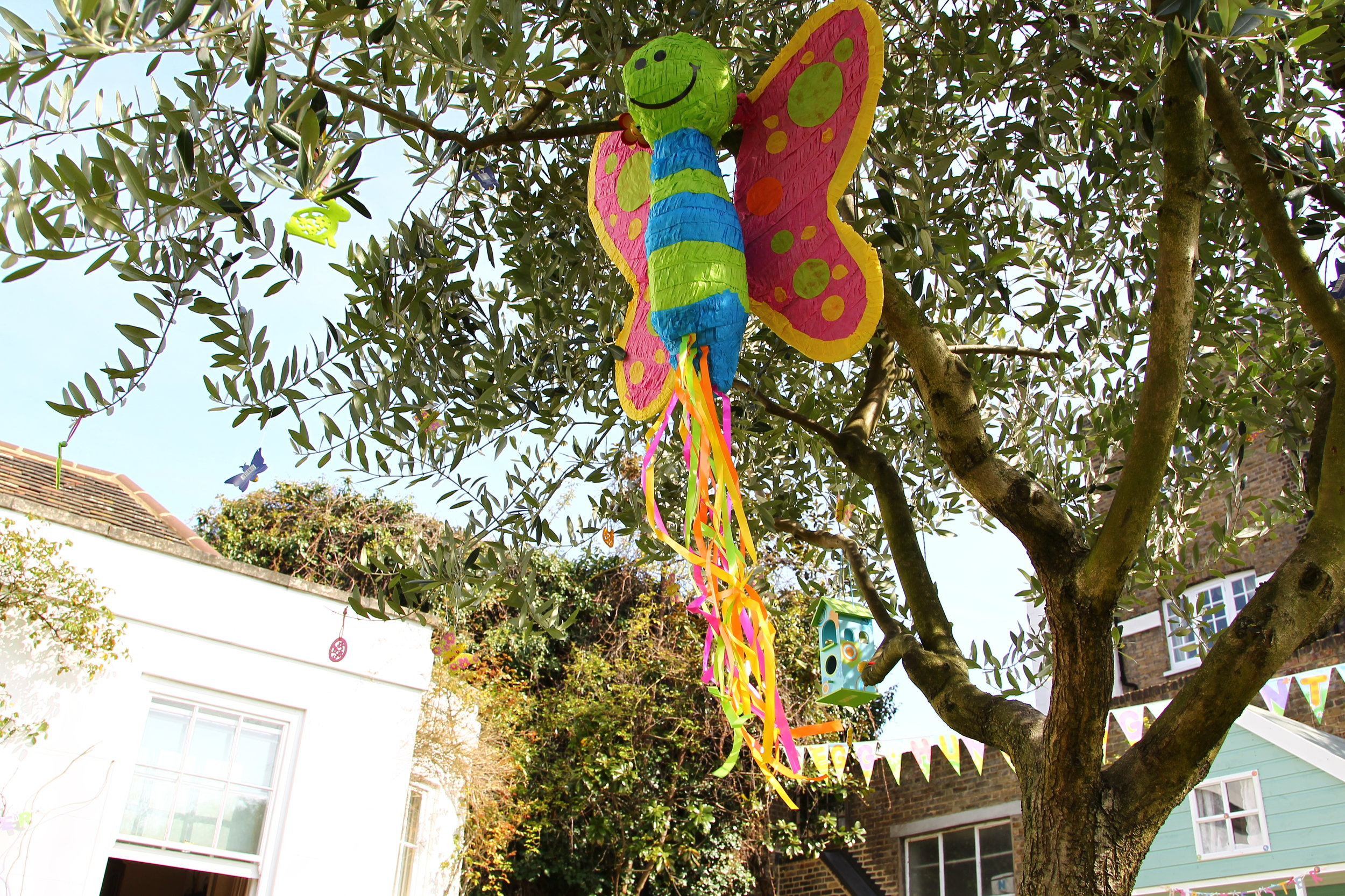 Easter Party Decorations (23).JPG