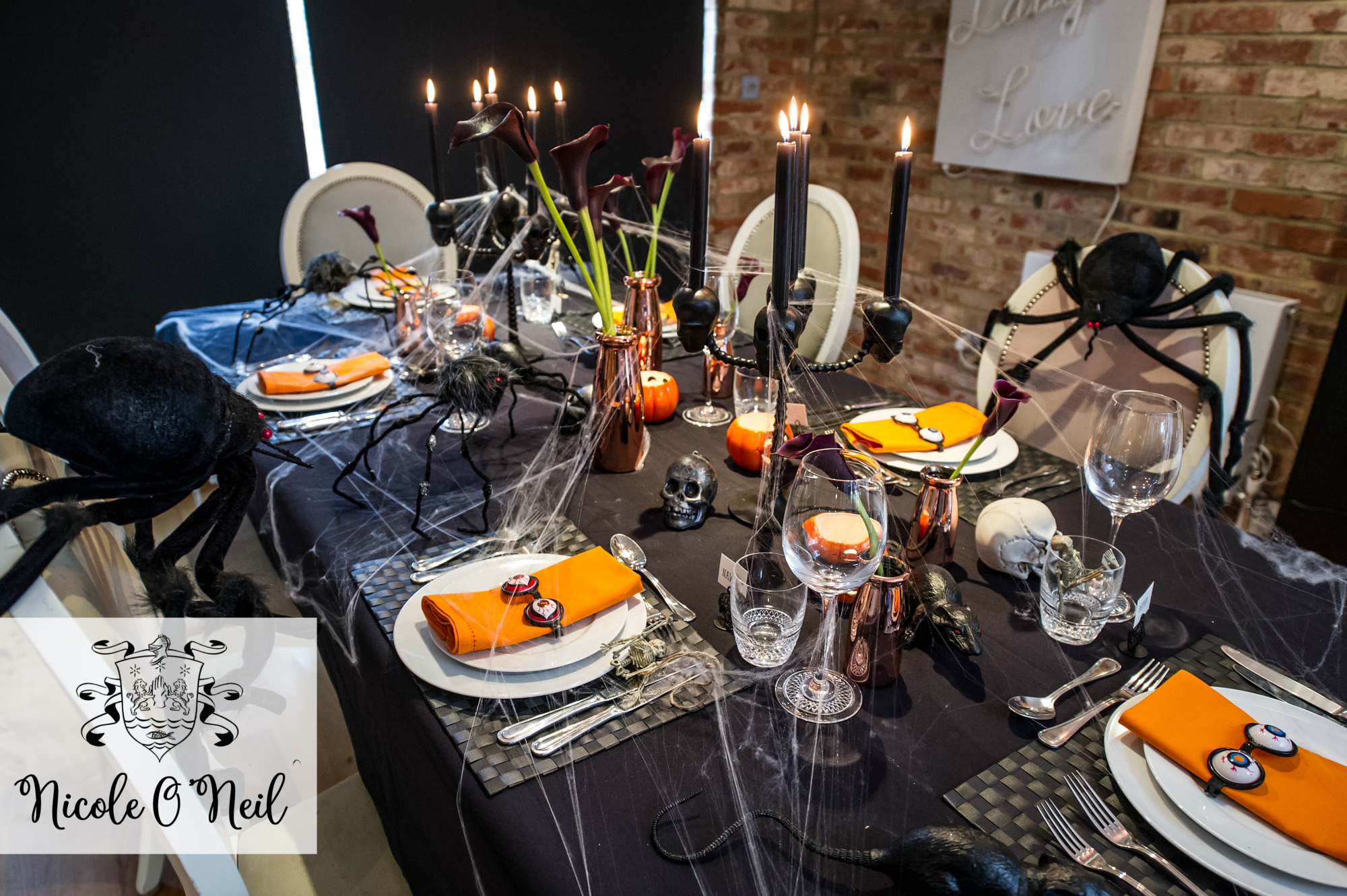 Easy Halloween Party Decoration Ideas and Halloween Table Setting Inspiration