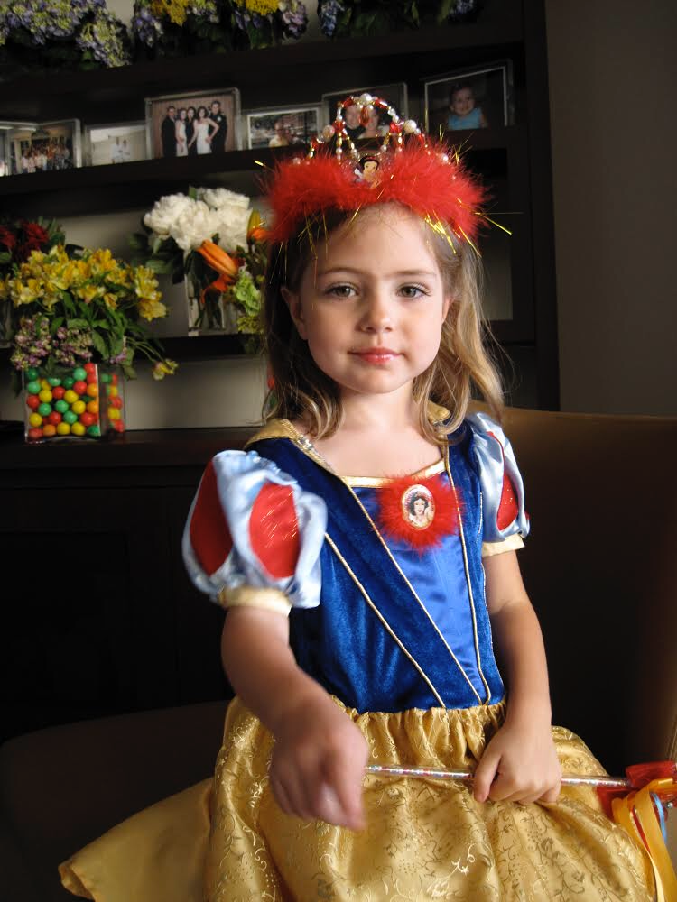 Nawal Dressed up as Snow White.png