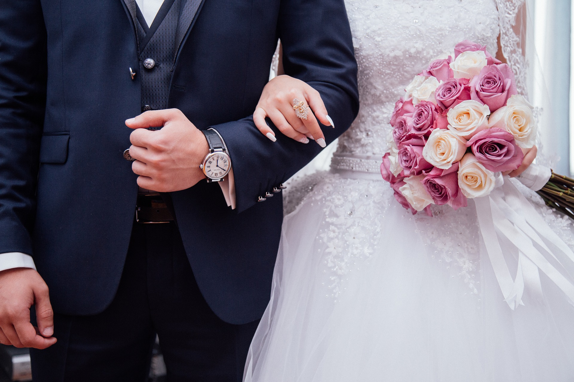 Modern Wedding Guest Etiquette Rules - Can you share photos from the wedding