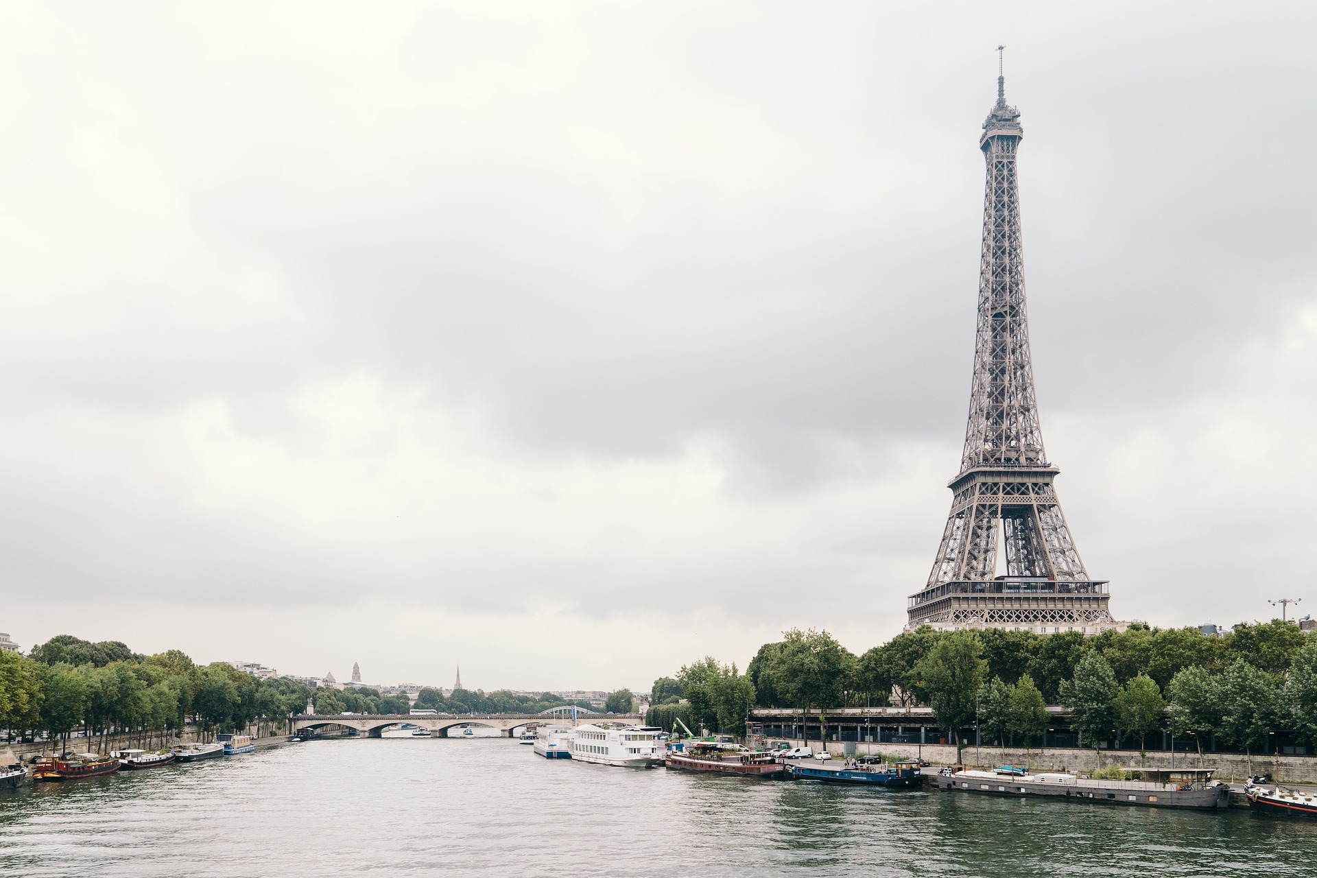 24 Hours in Paris - The Eiffel Tower