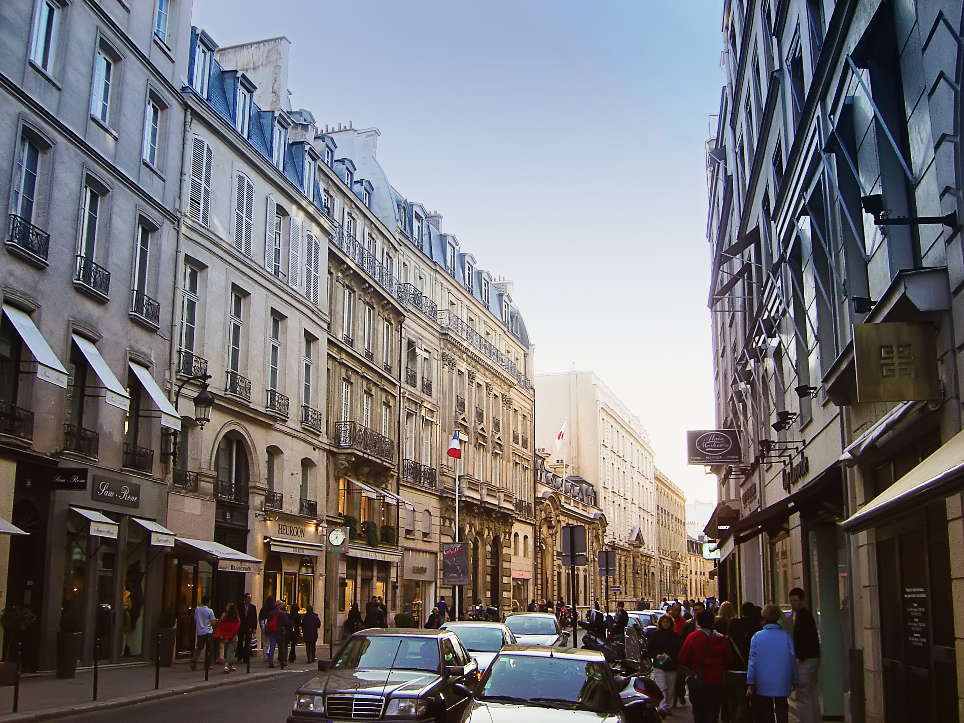 24 Hours in Paris - Shopping at Rue St Honore