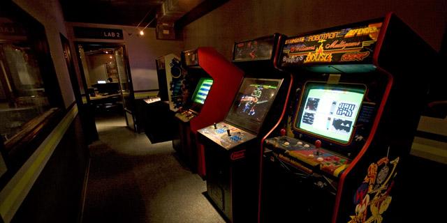 Gnomon_school_arcade.jpg