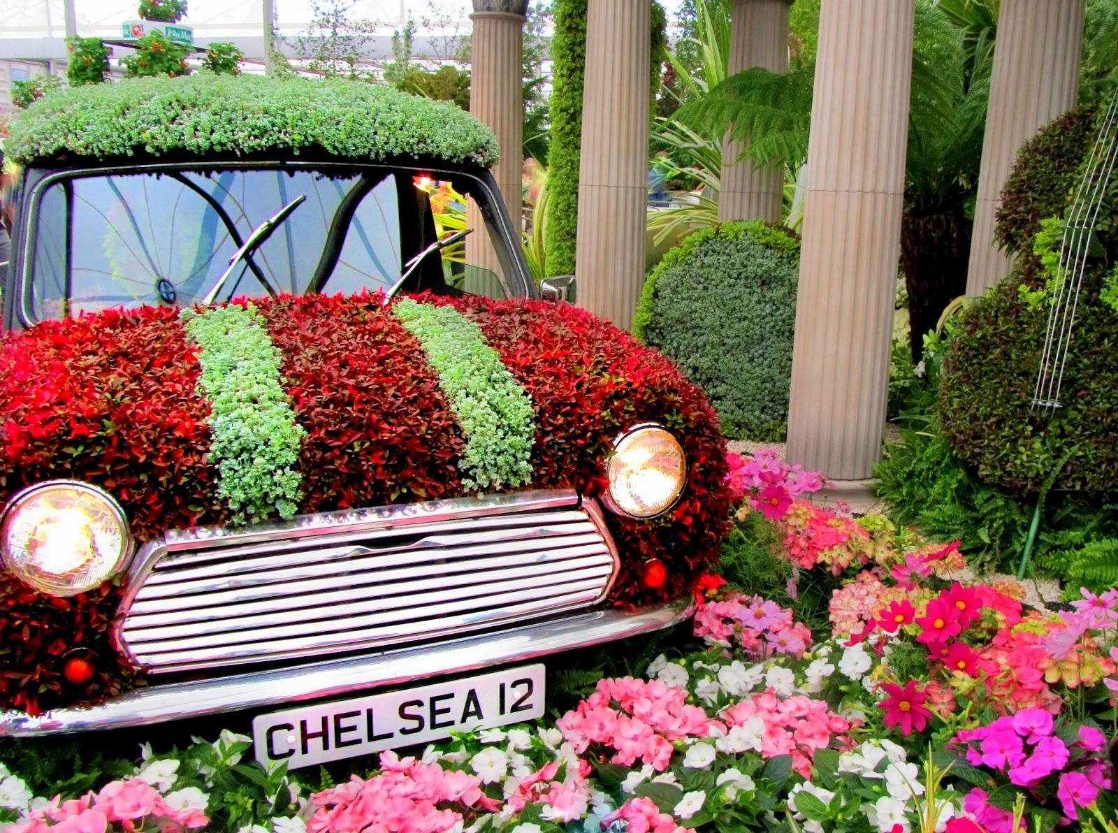 AutomobileFlowerSculpture.jpg