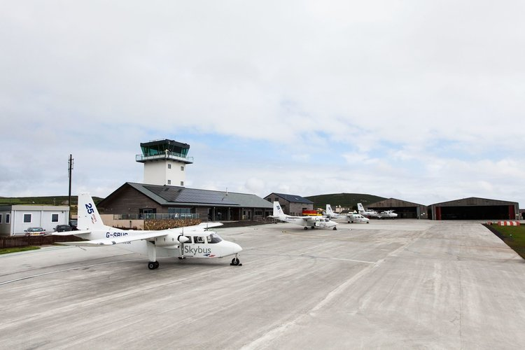 Skybus Islander and Twin Otter aircraft at Land's End Airport.