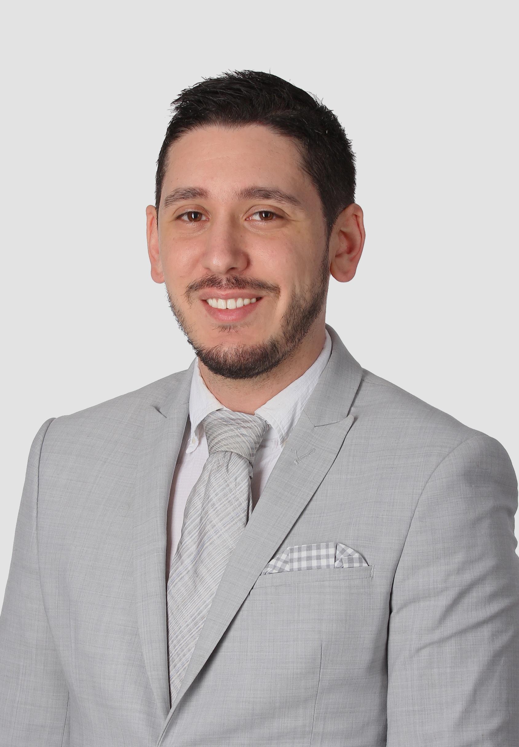 Hamza+-+Professional+Headshot.jpg