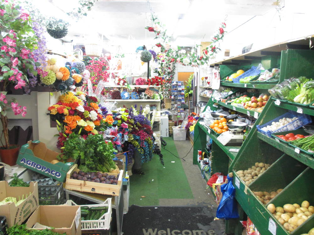 Hight Street Flowers Fruit And Veg In Deptford South London Club