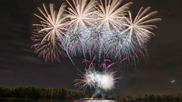 Wimbledon Fireworks South London Club