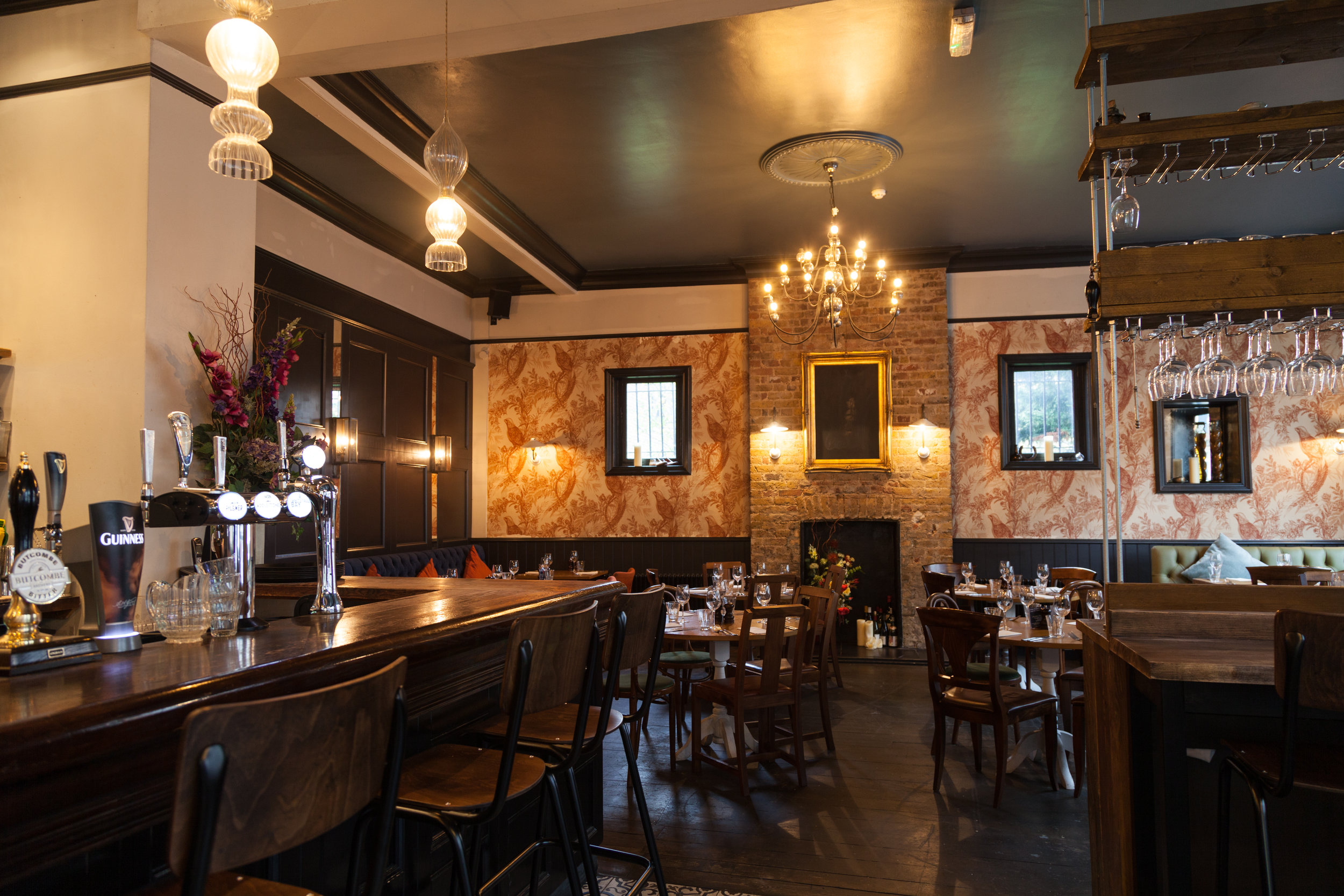 The Crooked Well Pub and Restaurant in Camberwell South London Club.jpg