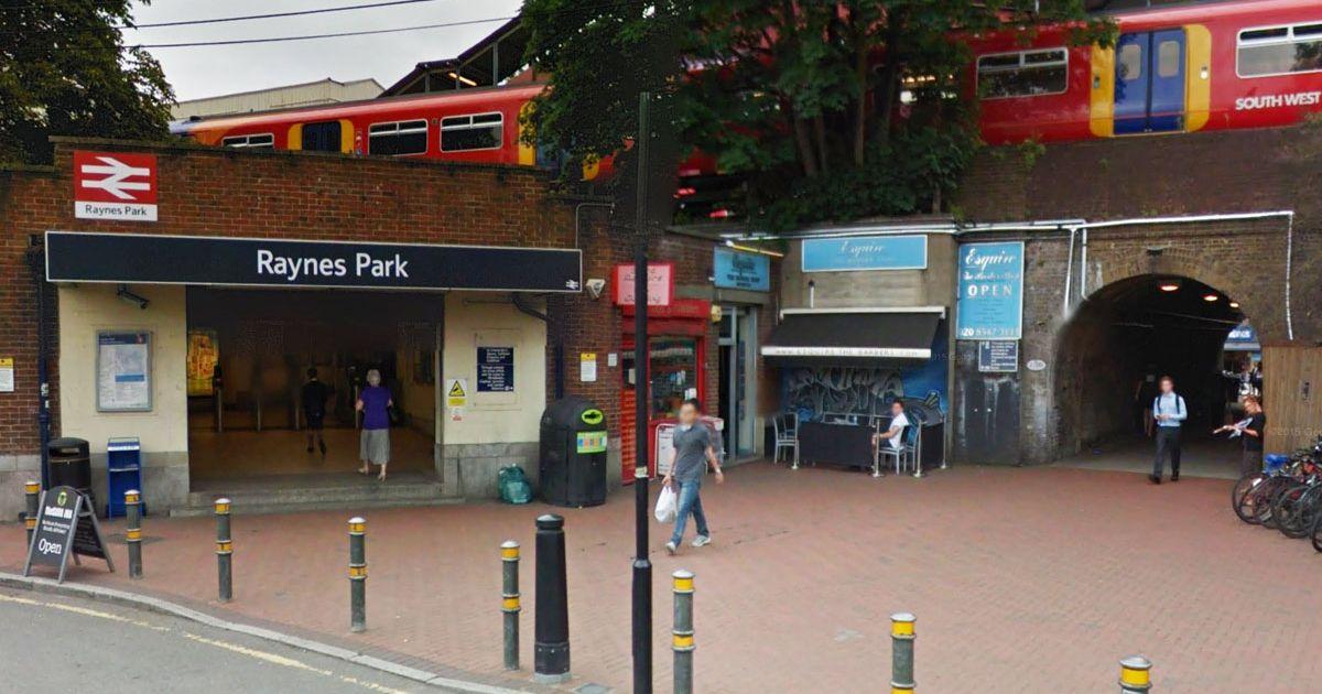 raynes park station.jpg