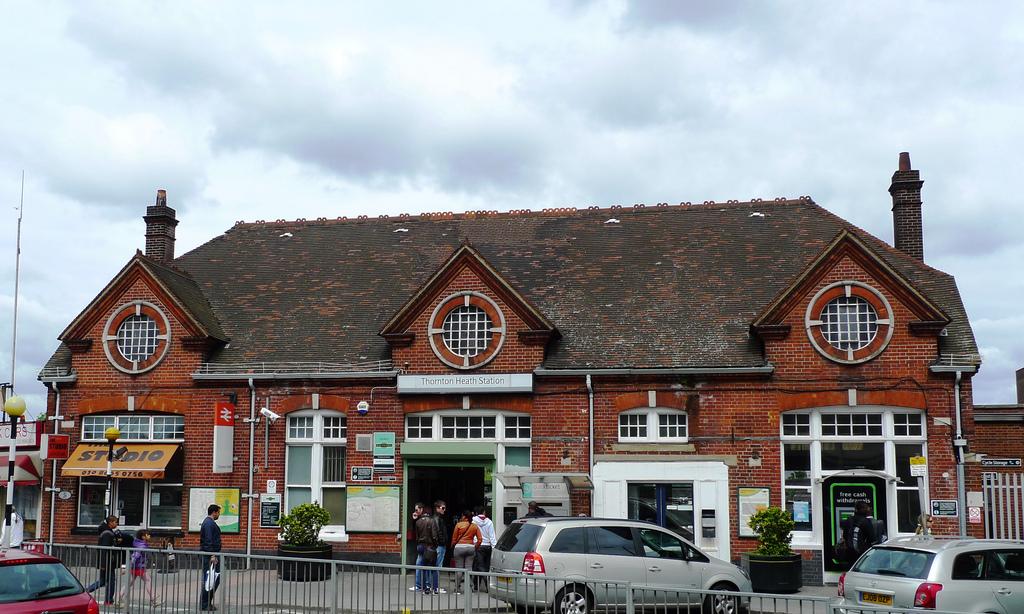 thornton heath station.jpg
