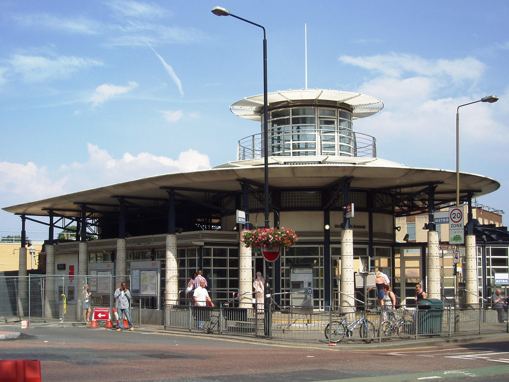 woolwich arsenal station.jpg