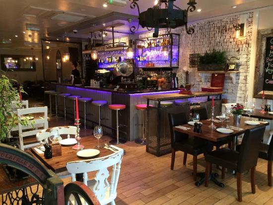 q-bar-and-kitchen.jpg