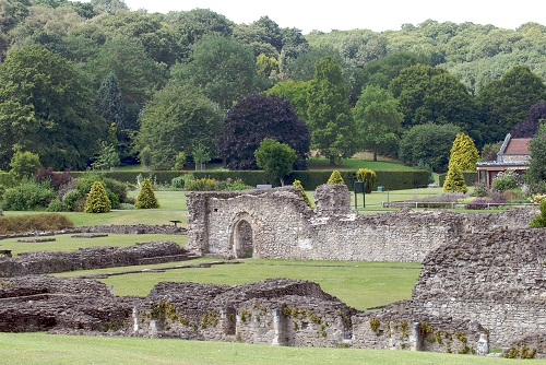 lesnes abbey ruins.jpg