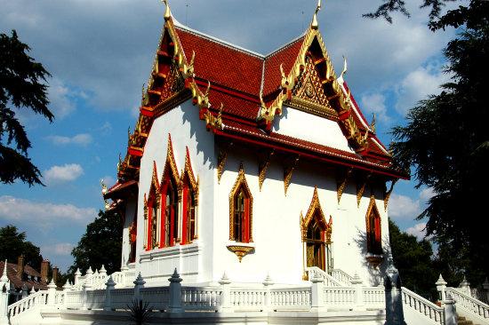Wat Buddhapadipa.jpg