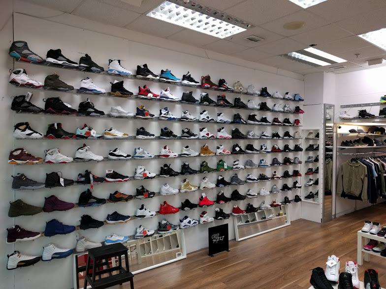 Shoe L.jpg