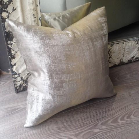 The London Cushion Company bespoke cushions in Battersea South West London Club Card 16.JPG