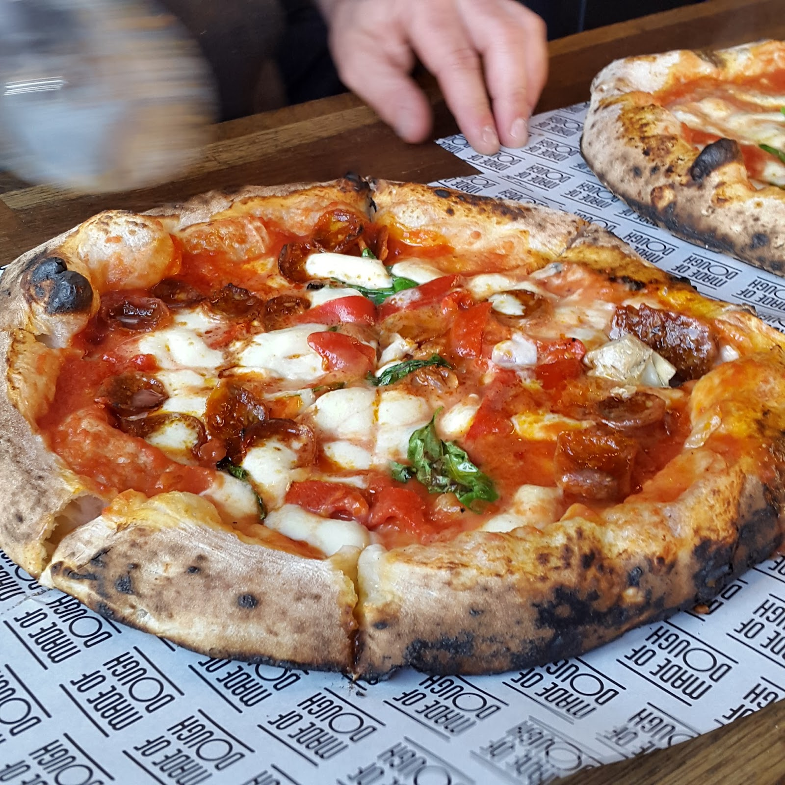 south-london-club-made-of-dough-pizza-2.jpg