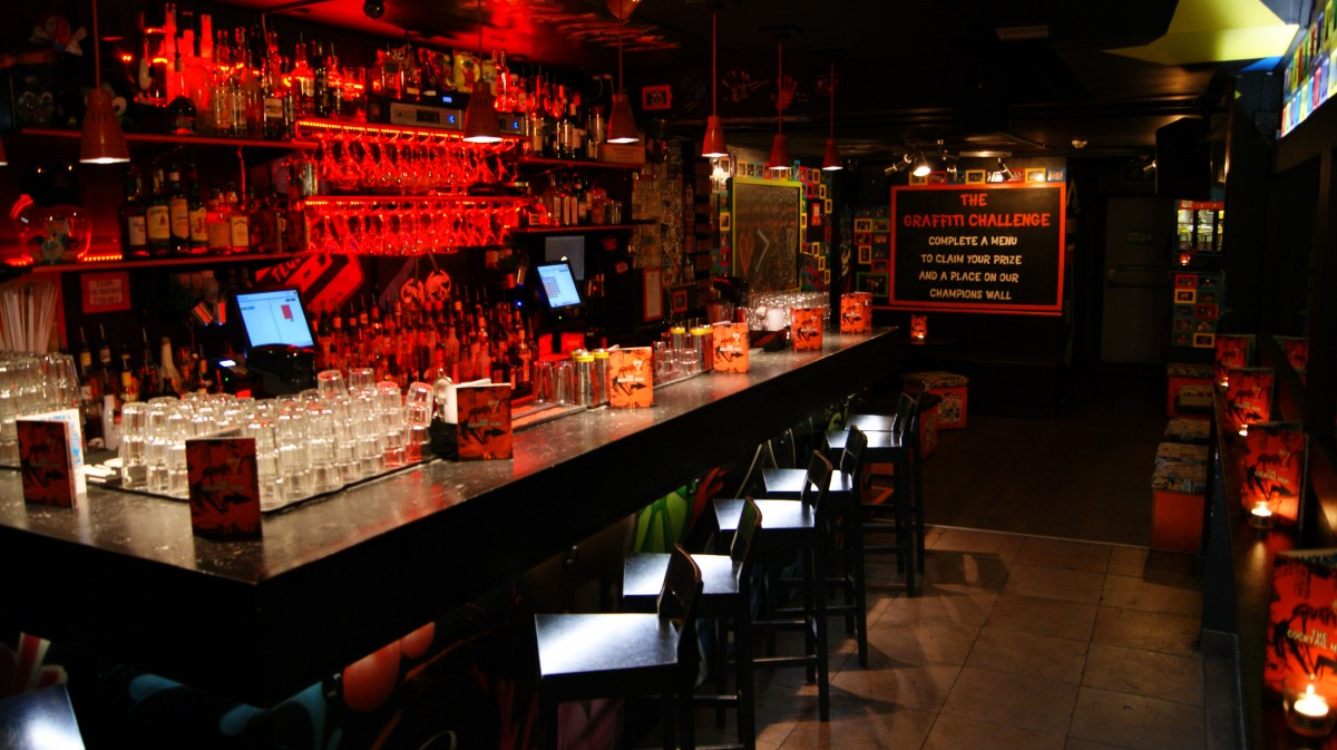 south-london-club-graffiti-bar.jpg