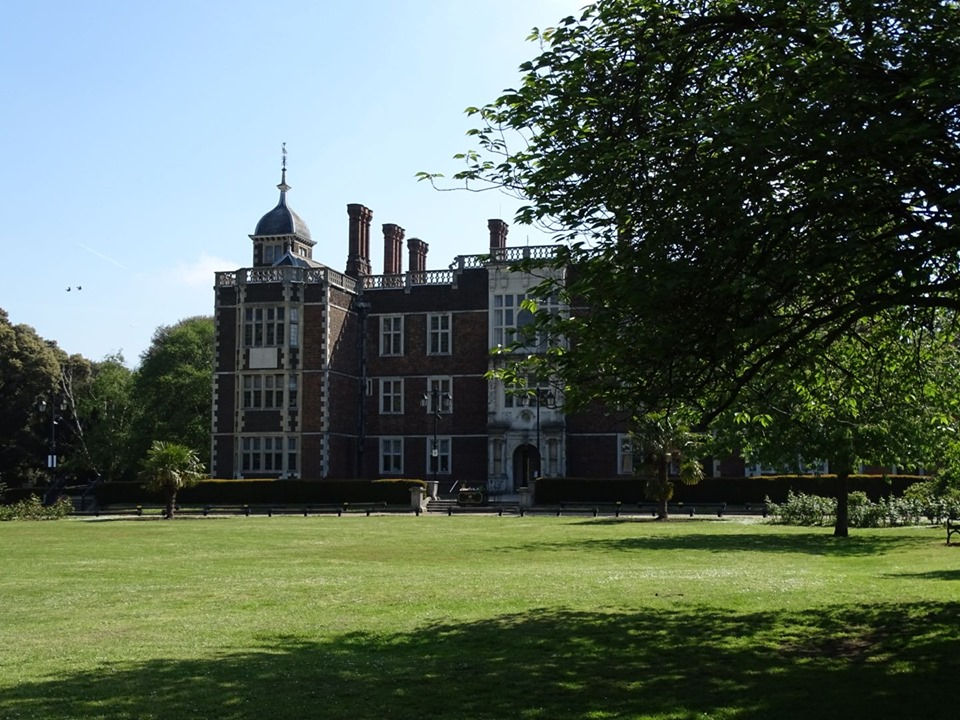 charlton house library south london club