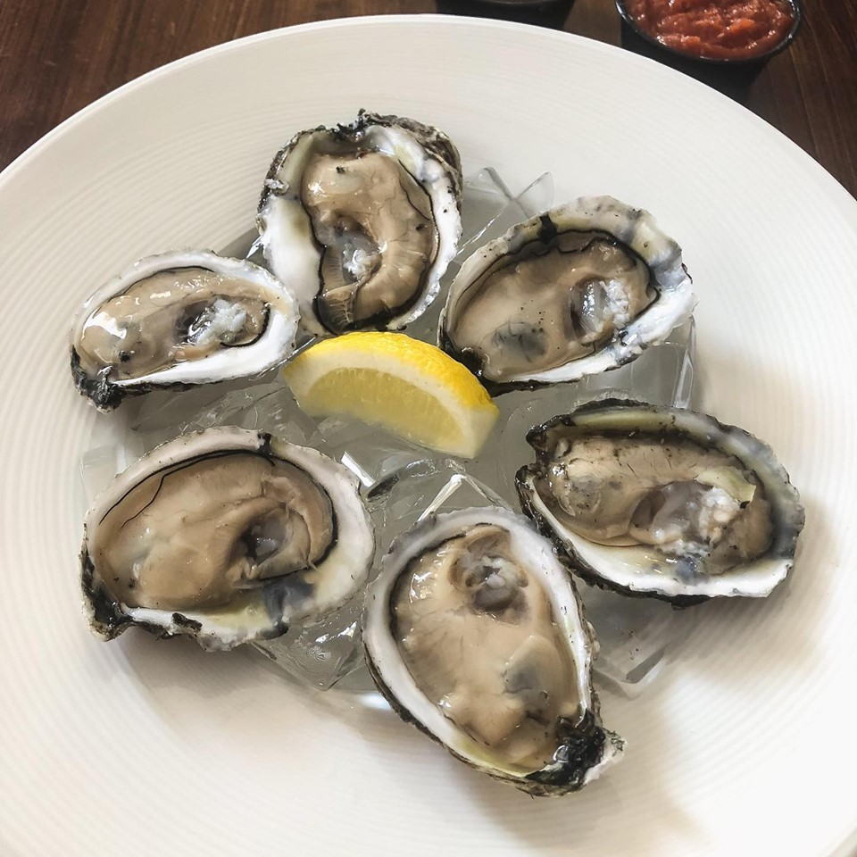 Buck-a-shuck Thursdays   Clams & Oysters on the half shell - only $1!   More info