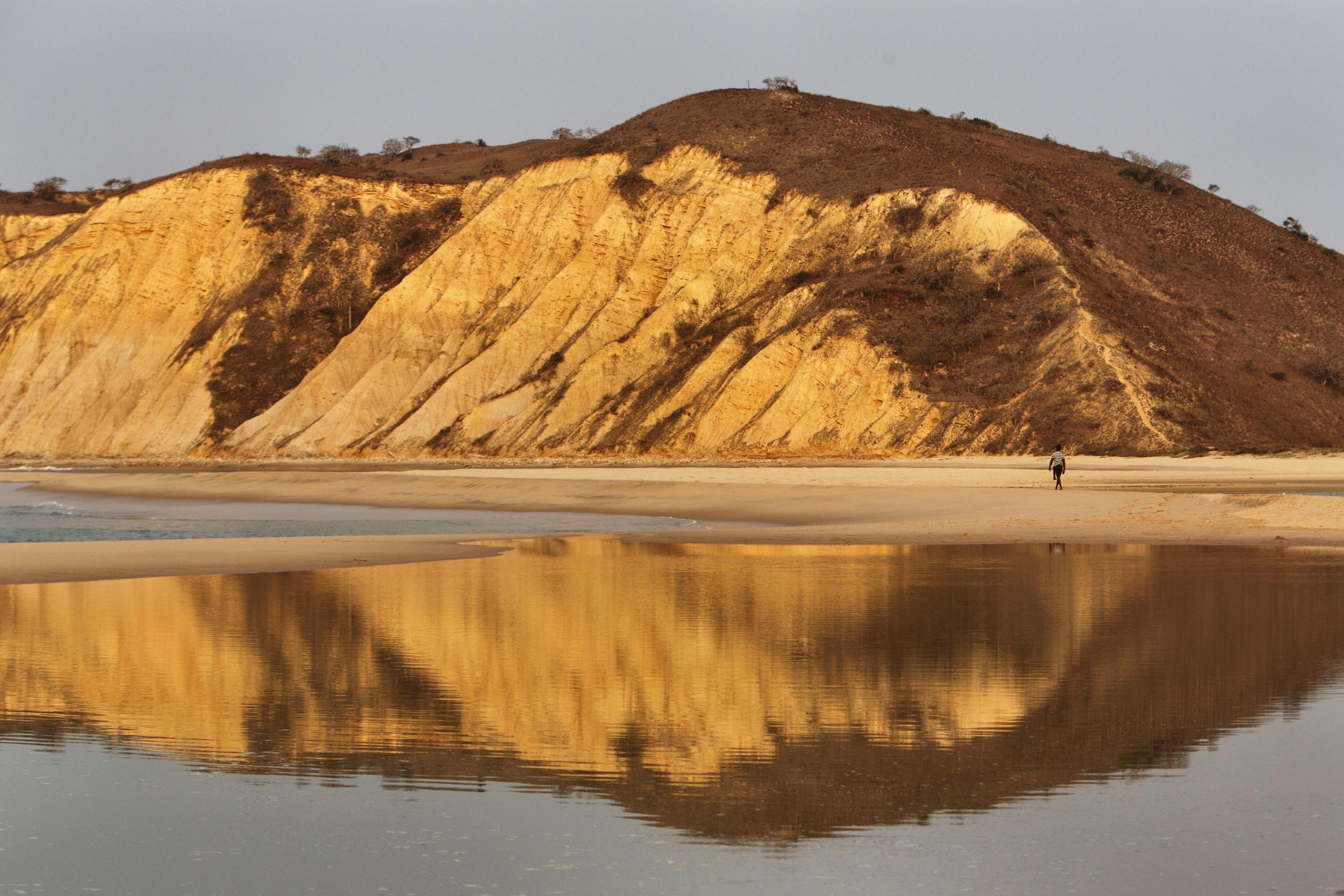 Cabo Ledo, Angola