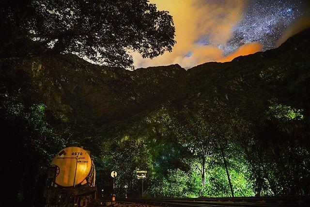 | 555 | 🌎 -  #astrophotography #sonya7iii #bealpha #wonderful_places #discoverglobe #earthpix #starrynight #railroad #iamtb #lonelyplanet #milkyway #nights_dreamworld